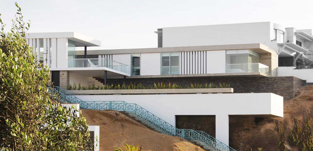 Casa en la playa arqco arquitectos archdaily m xico for Fotos de casas modernas en lima peru