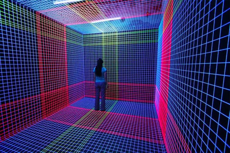 UV-Light, construir espacios tridimencionales con la luz / Jeongmoon Choi, © vía colossal
