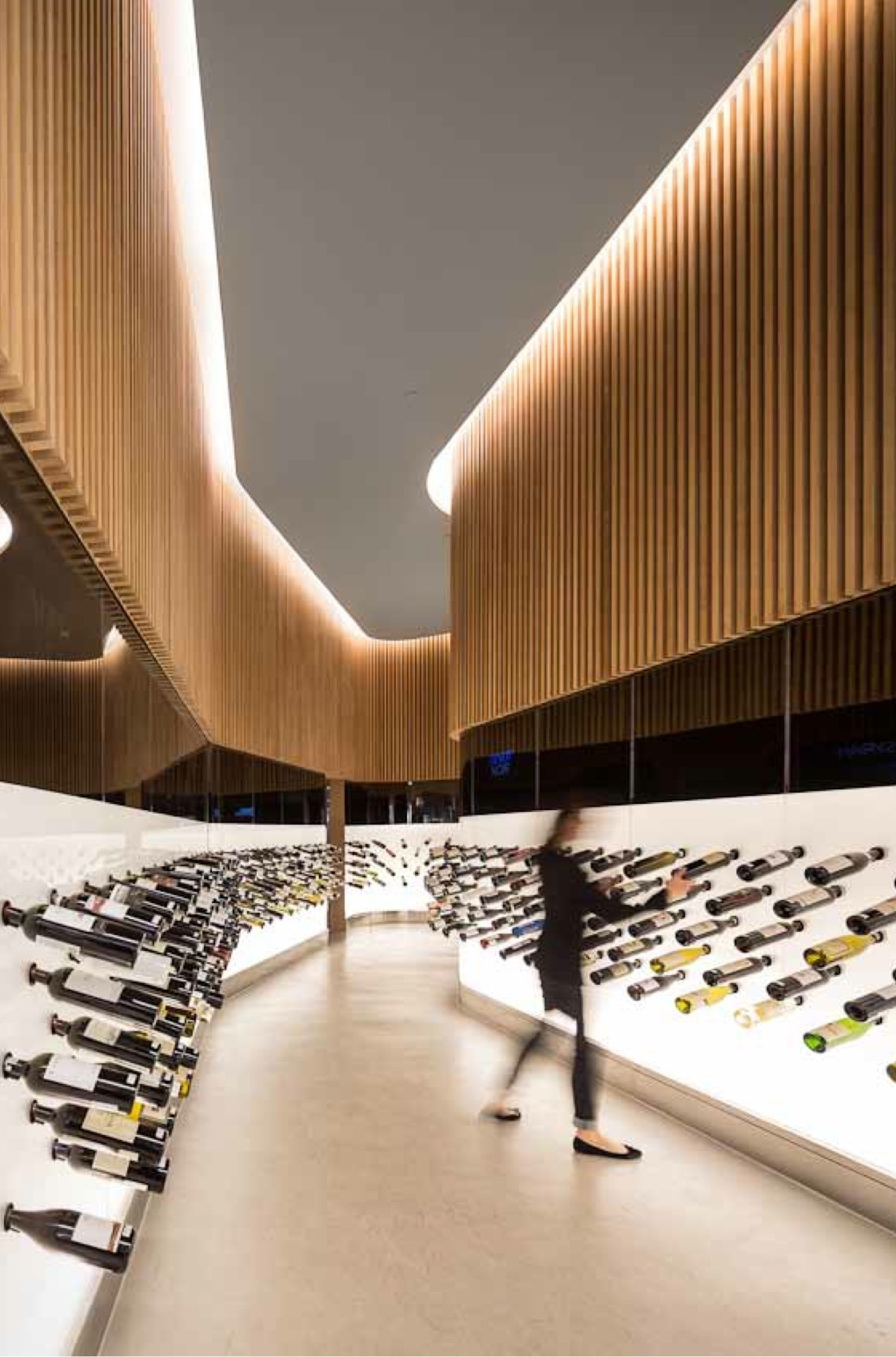 Mistral Wine Store / Studio Arthur Casas, © Fernando Guerra | FG+SG