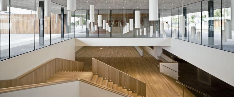 Sede central banc sabadell bach arquitectes archdaily for Banc sabadell pisos