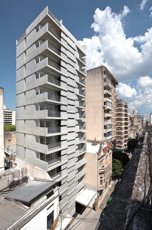 Edificio Maipú / Nicolás Campodonico, © Walter Salcedo