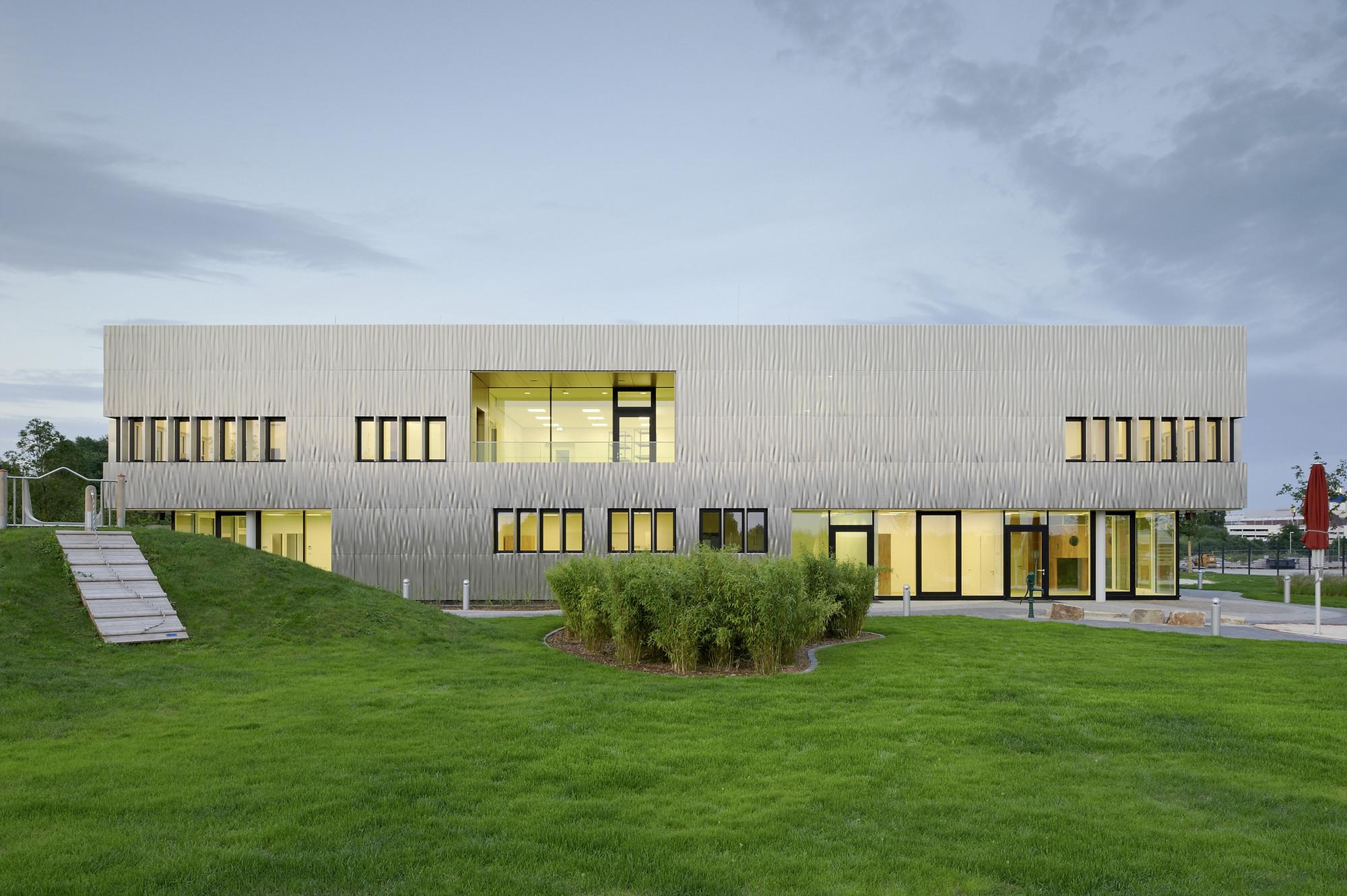 Architekt Essen day care thyssenkrupp quarter essen jswd architekten archdaily