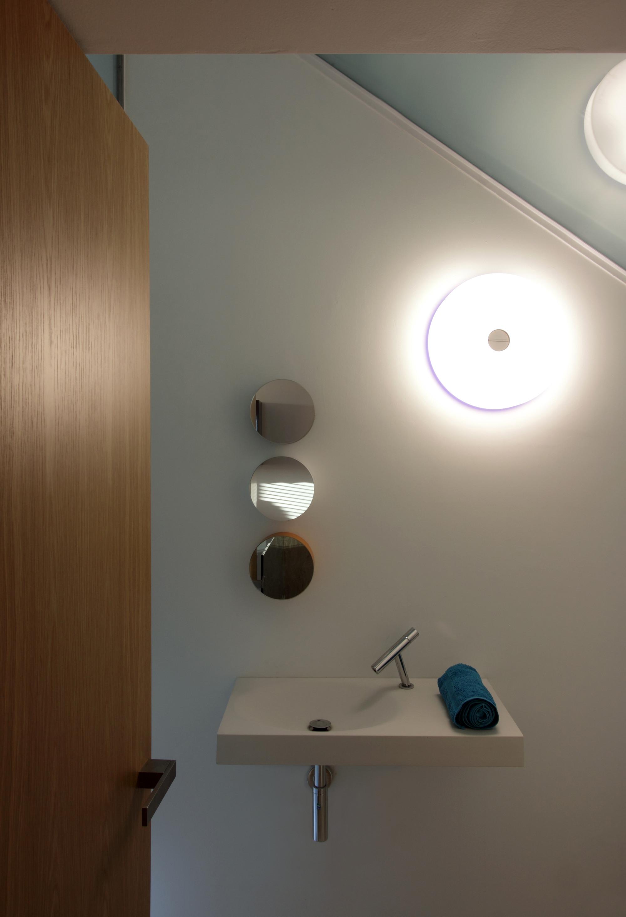 Hanging Home / Chris Briffa Architects