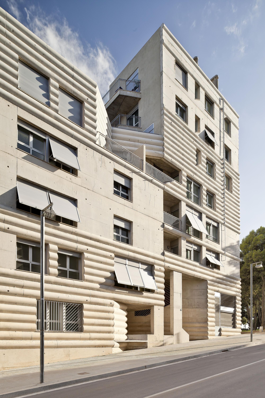 Edificio 111 flores prats archdaily colombia - Arquitectos terrassa ...