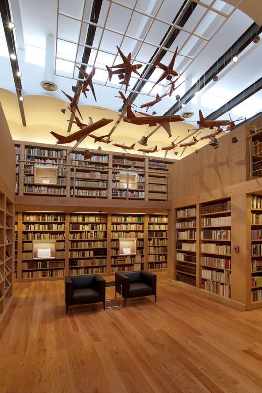 Biblioteca José Luis Martínez / Alejandro Sánchez García, © Jaime Navarro