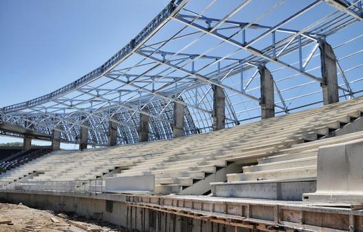 Estadio Chinquihue / Cristián Fernández Arquitectos