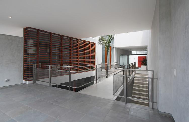 Casa Calle / Seinfeld Arquitectos, © Juan Solano Ojasi