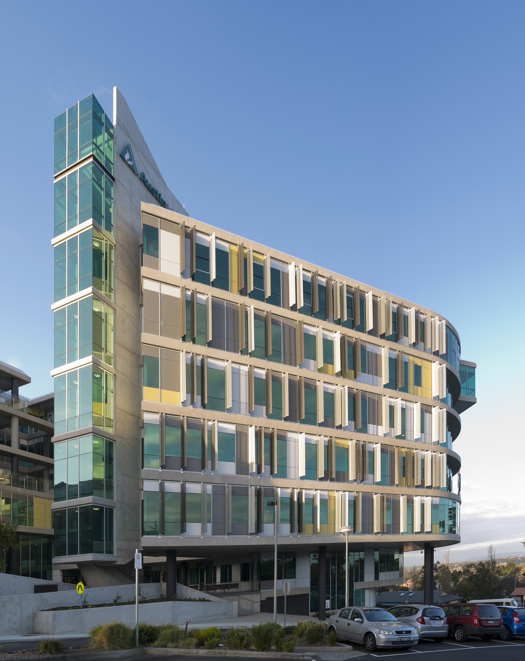 Olivia Newton-John Cancer and Wellness Centre / Jackson Architecture +