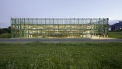 Edificio de estacionamientos / JSWD Architekten