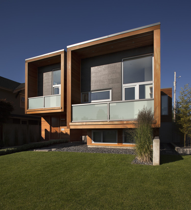 Chilliwack / Randy Bens Architect, © Roger Brooks Photography