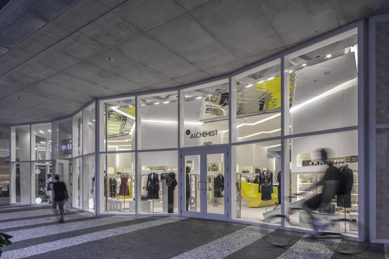 Tienda Alchemist / Rene Gonzalez Architect | Plataforma Arquitectura