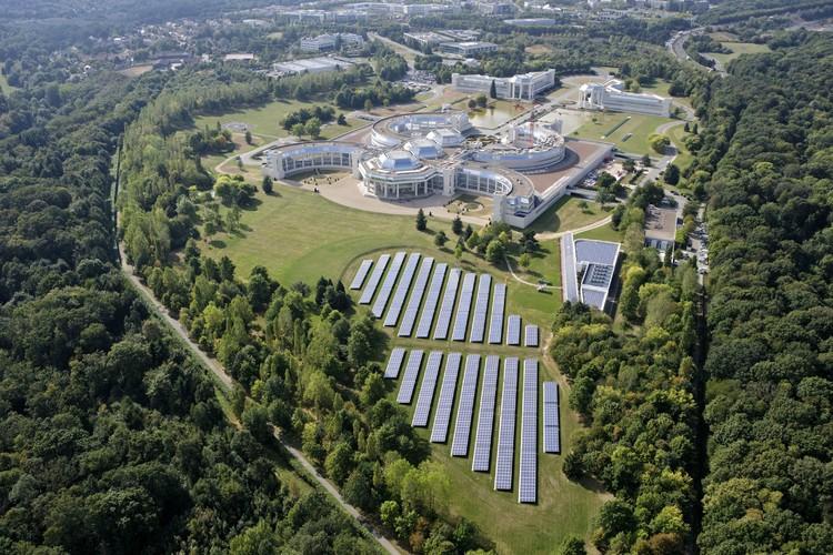 Edifício de escritórios em Versalhes torna-se o primeiro projeto do mundo com tripla certificação verde, Bouygues Construction / SRA Architecture - Vía Construire Vert