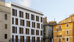 19 Dwellings on Viana Street / García Floquet Arquitectos
