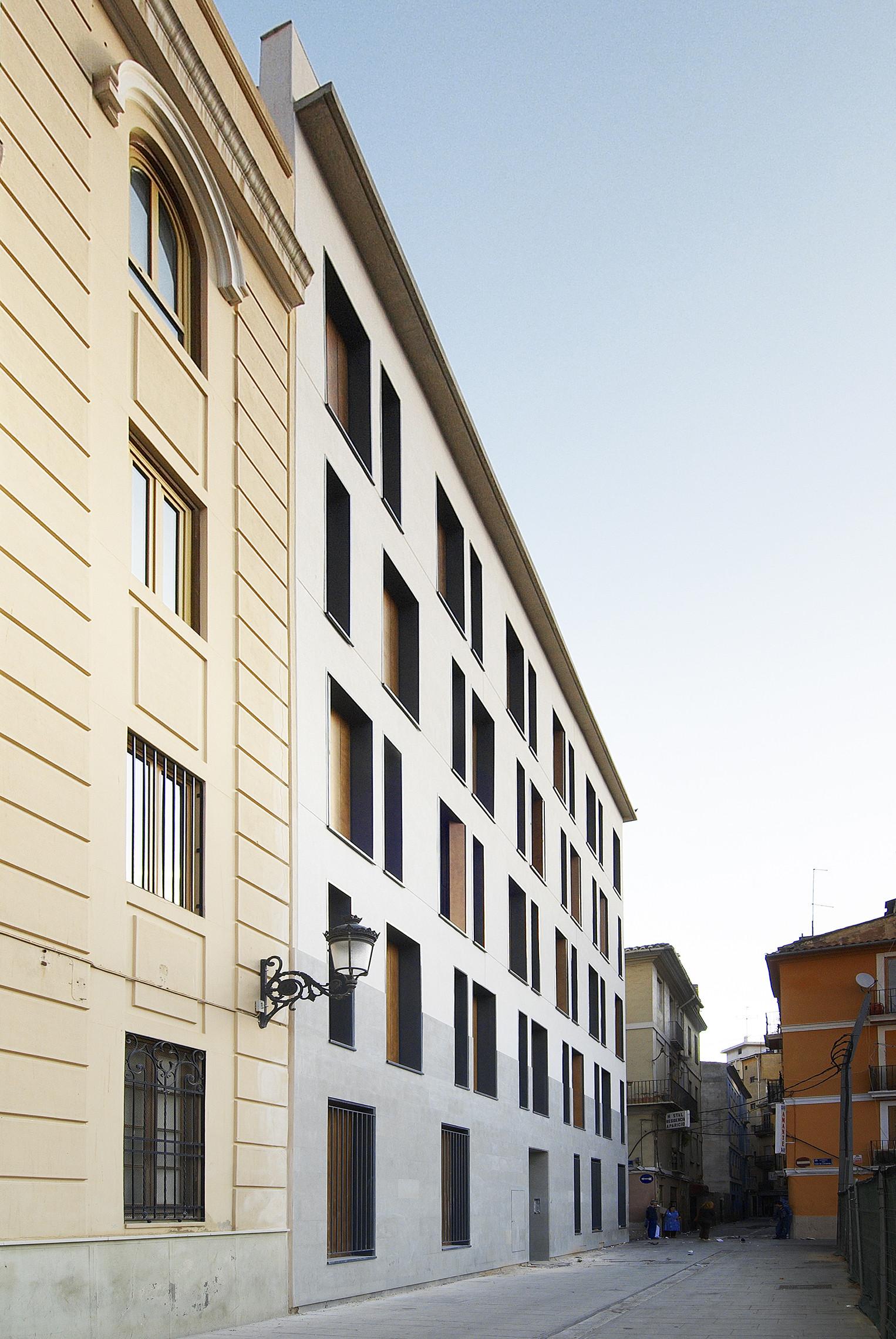 Gallery of 19 dwellings on viana street garc a floquet - Calle viana valencia ...