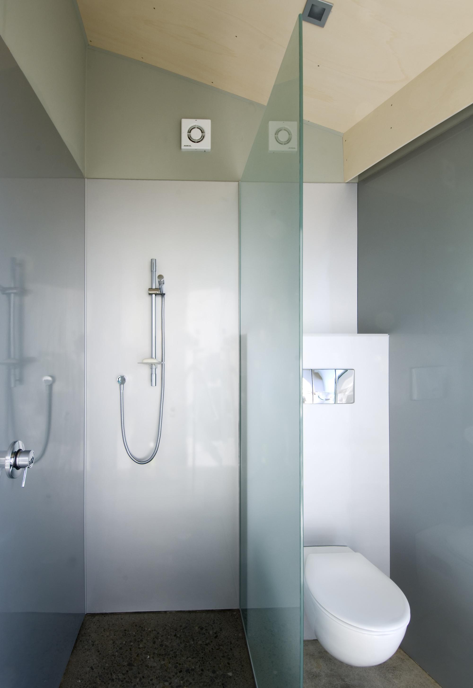 Gallery of cornege preston house bonnifait giesen 8 for Radiateur salle de bain castorama