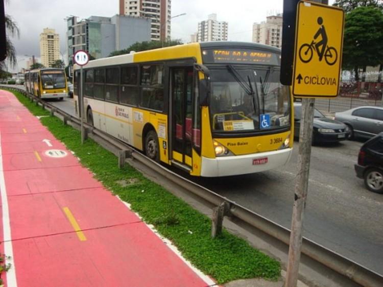 São Paulo terá corredores de ônibus acompanhados por ciclovias, © Luis Fernando Gallo via Catraca Livre