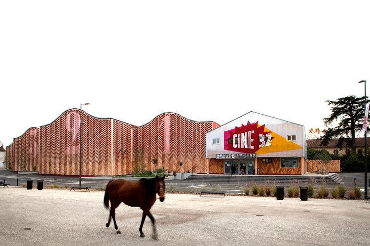 Cine 32 / ENCORE HEUREUX Architectes, © Sebastien Normand