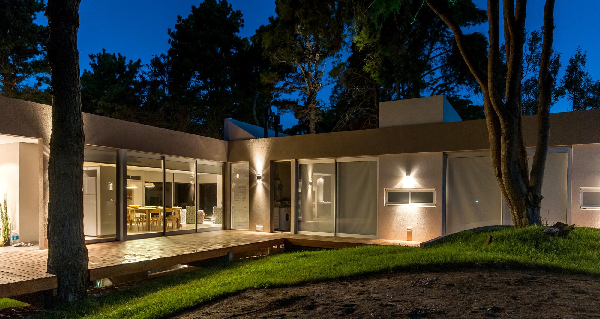 Galeria de casa kaprys galera estudio 2 for Casa a forma di u con cortile