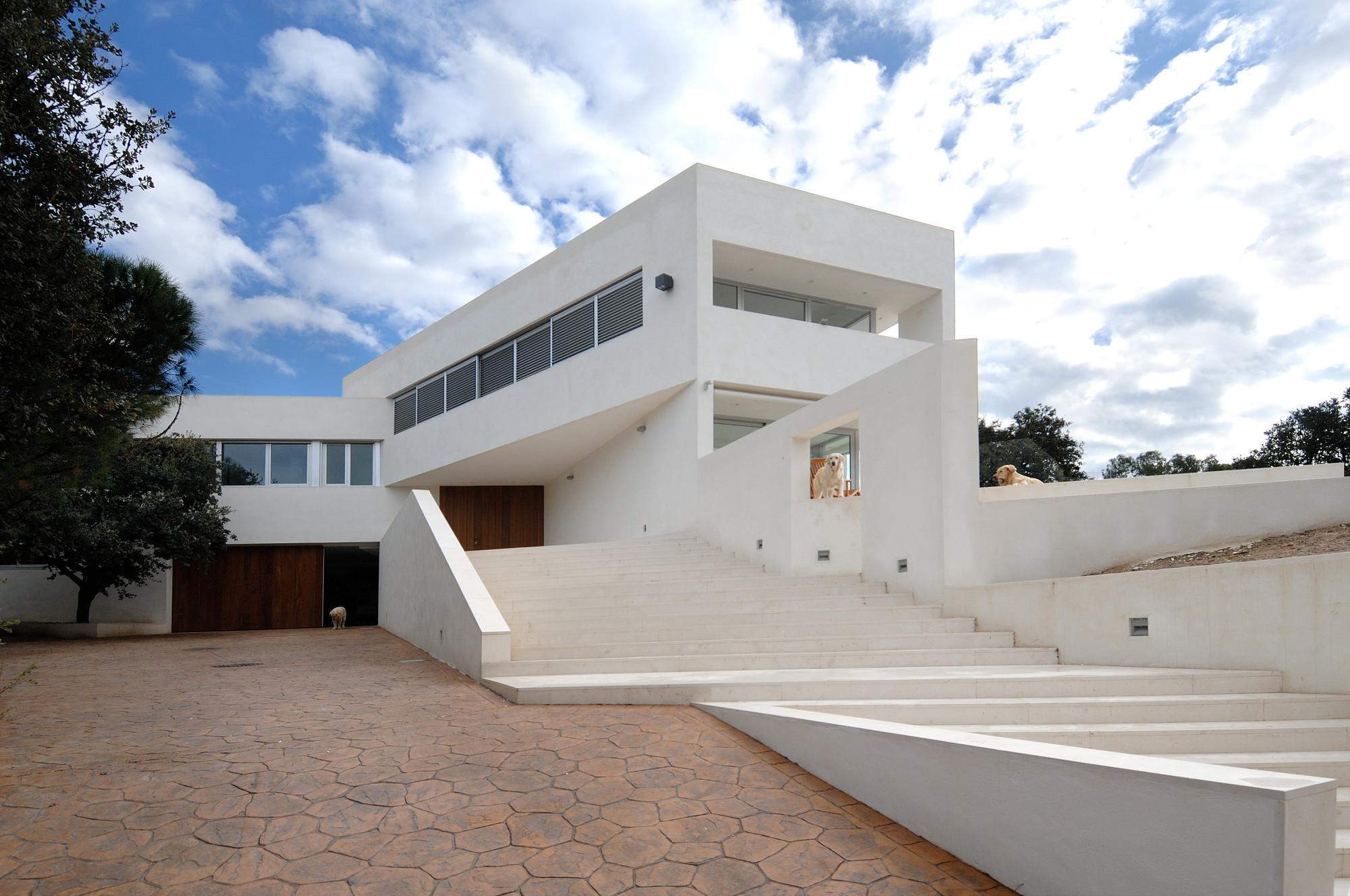 Housing in Valdemorillo / Otto Medem de la Torriente