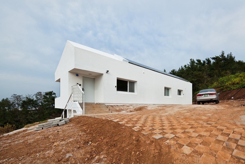 Gallery of net zero energy house lifethings 12 for Netzero house