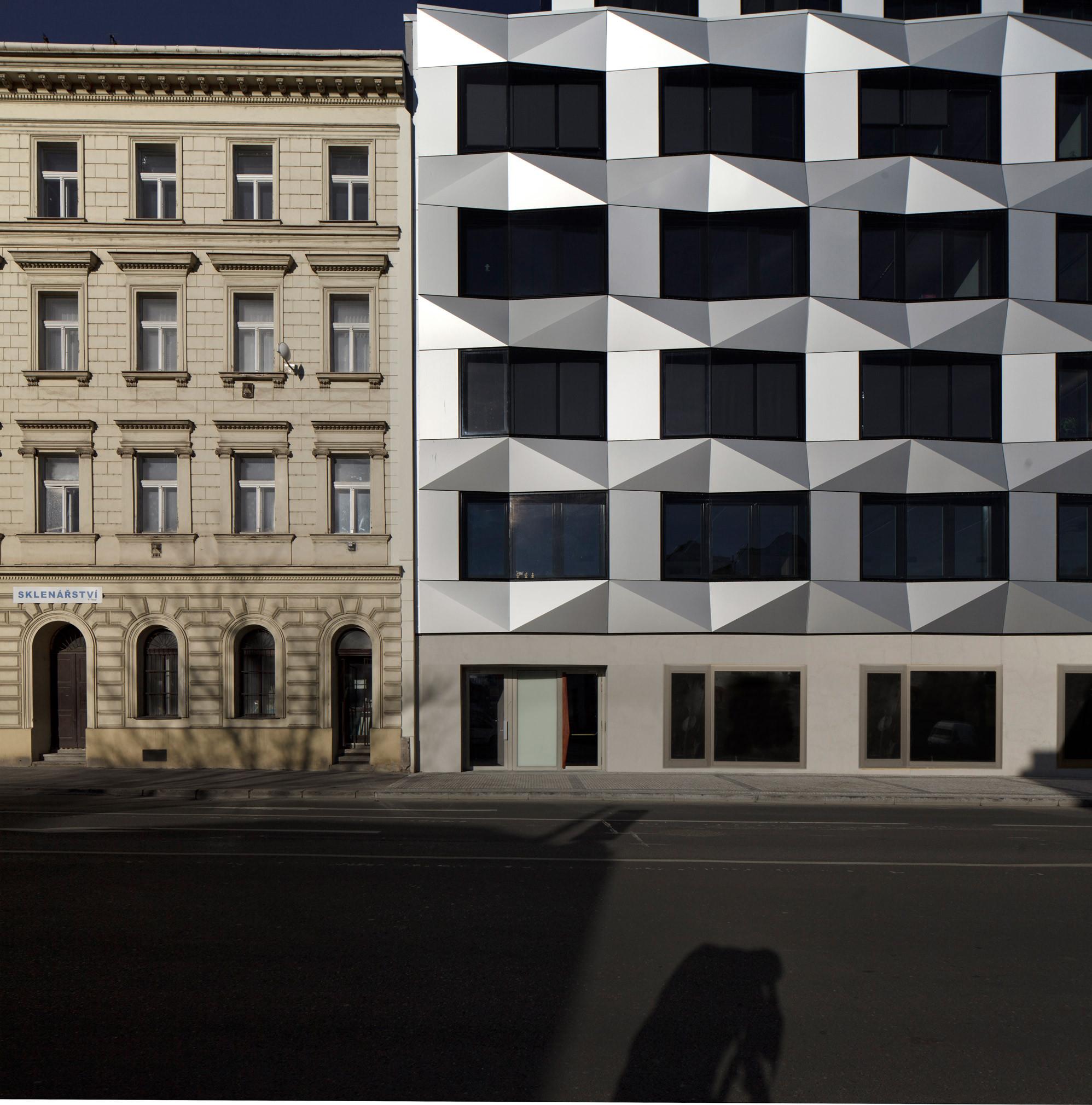 Keystone Office Building / EM2N
