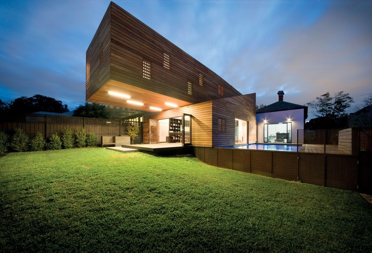 Casa de Tróia / Jackson Clements Burrows Architects, © Emma Cross