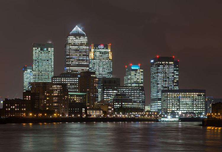 Herzog & de Meuron projetarão um arranha-céu residencial em Londres, Canary Wharf © David Iliff via Wikipedia