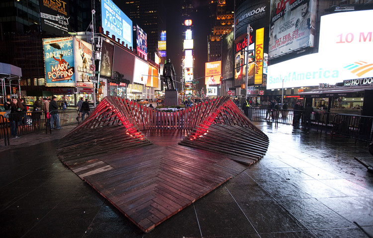 Situ Studio's 'Heartwalk' Opens in Times Square, © Ka-Man Tse, Times Square Alliance