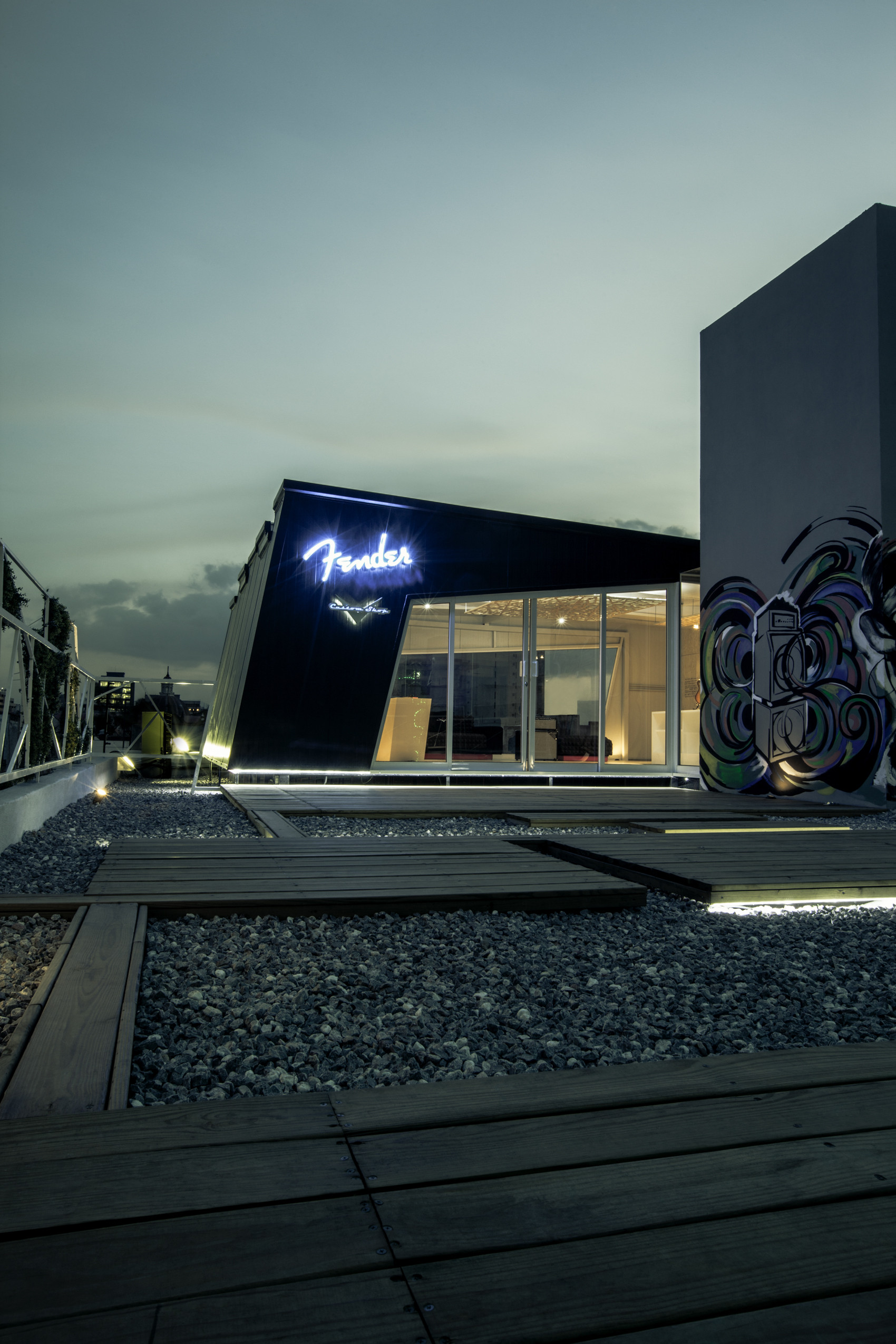 Ferder Custom Shop Mexico City / Arquitectura en Movimiento