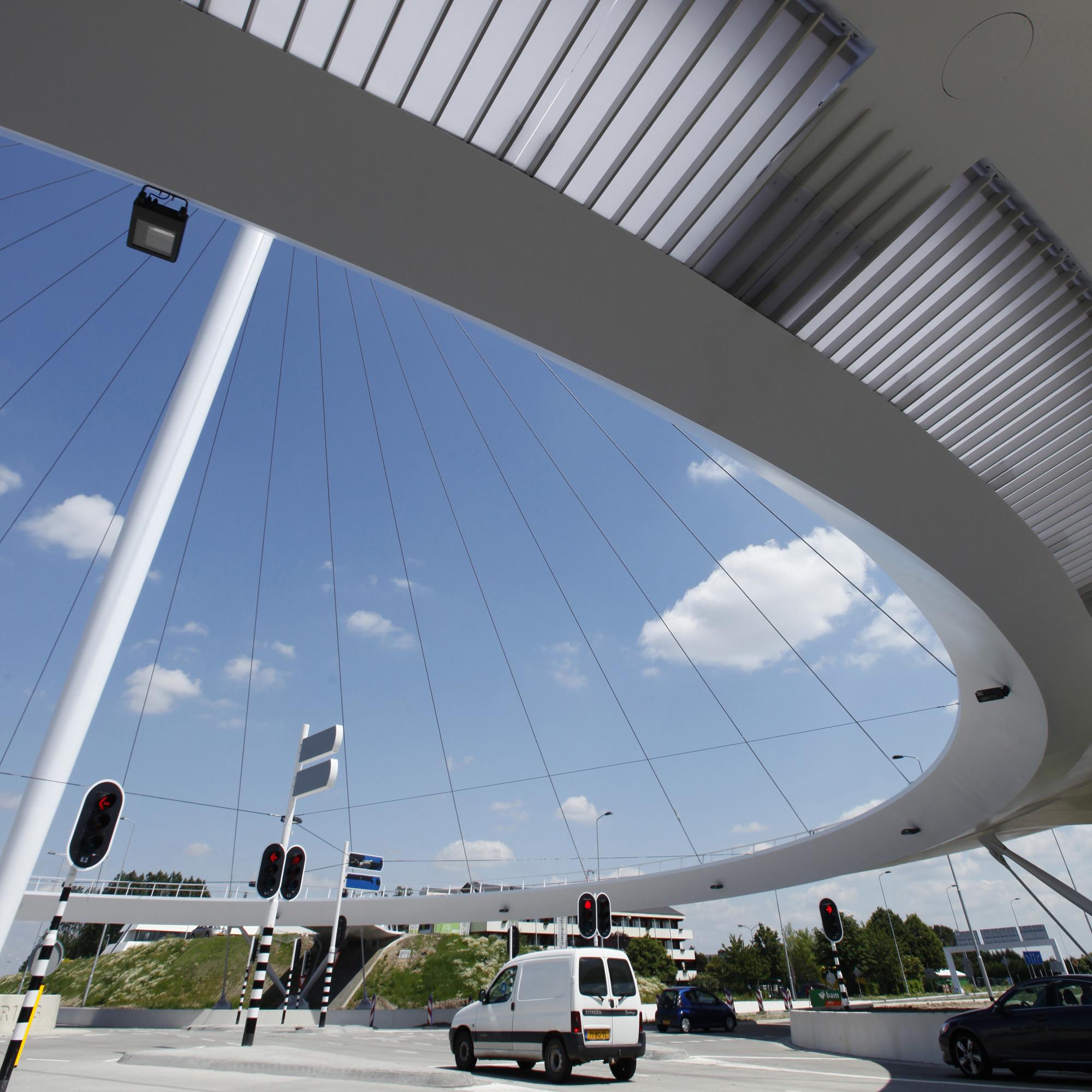 Hovenring, Circular Cycle Bridge / ipv Delft