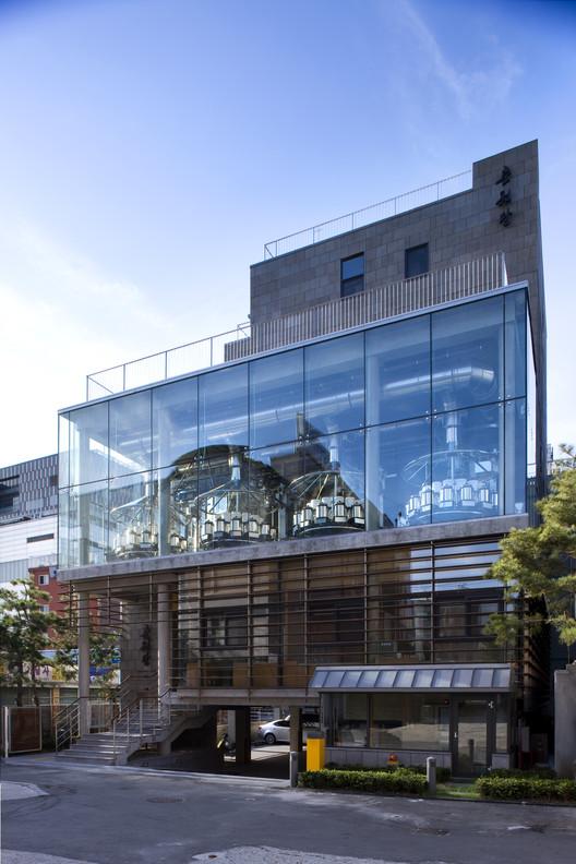 Choonwondang Oriental Clinic & Museum / Doojin Hwang Architects, © Youngchae Park