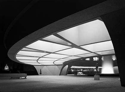 Hirshhorn Museum, Skidmore, Owings & Merrill, Washington, D.C., 1974 Gelatin Silver Print © Ezra Stoller, Courtesy Yossi Milo Gallery, New York
