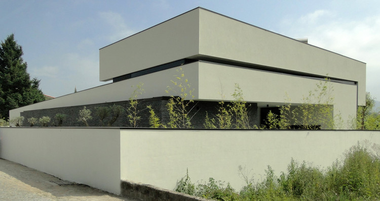 Vila Nova In Farmalicao / Arquitetura.501, Cortesía de Arquitetura.501