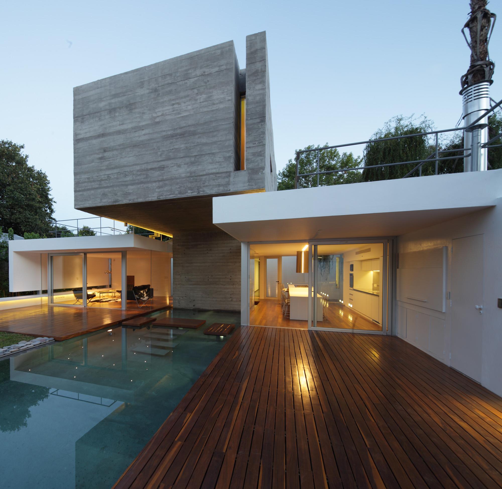 Bunker house estudio botteri connell archdaily for Arredamento interno casa moderna