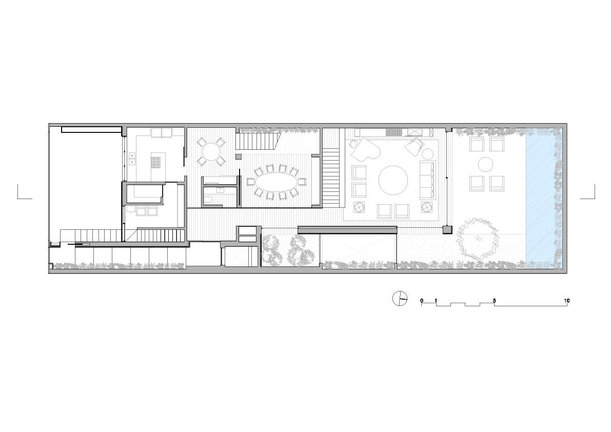 Gallery of K House / Studio Arthur Casas - 12