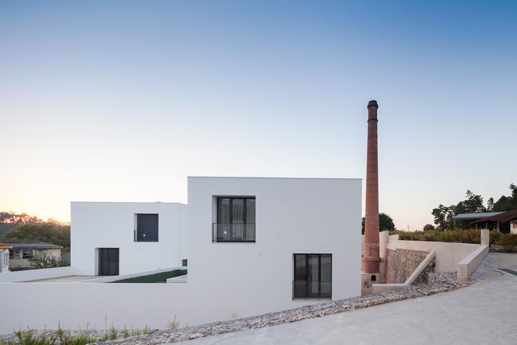 Agência Bancária em Colmeias  / 2LAtelier Arquitectos, © Joao Morgado