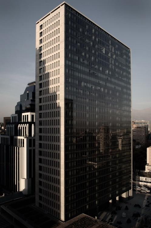 Edificio Corporativo CCU - +arquitectos / +arquitectos + Tuca Arqs + ADN + Flaño + Nuñez, © Giuseppe Brucculeri