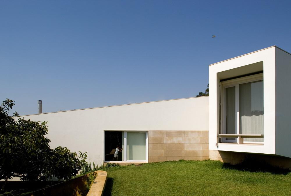 Casa en Romeirão / ARX Portugal Arquitectos, ©  FG + SG – Fernando Guerra, Sergio Guerra