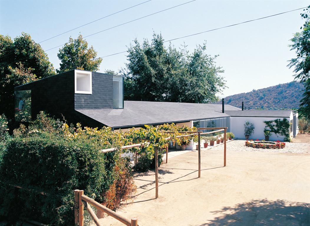 Casa en el Campo / Benjamín Murúa + Constanza Infante, © Cristóbal Palma