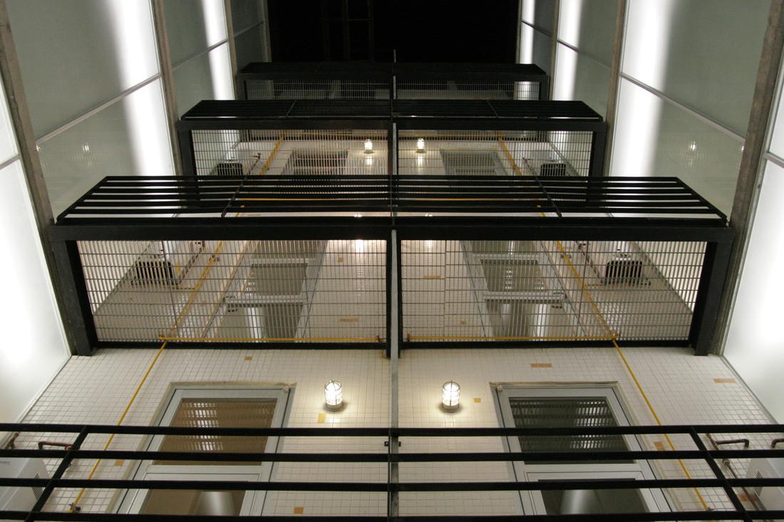 Gabriel mancera at103 archdaily m xico for Iluminacion para balcones