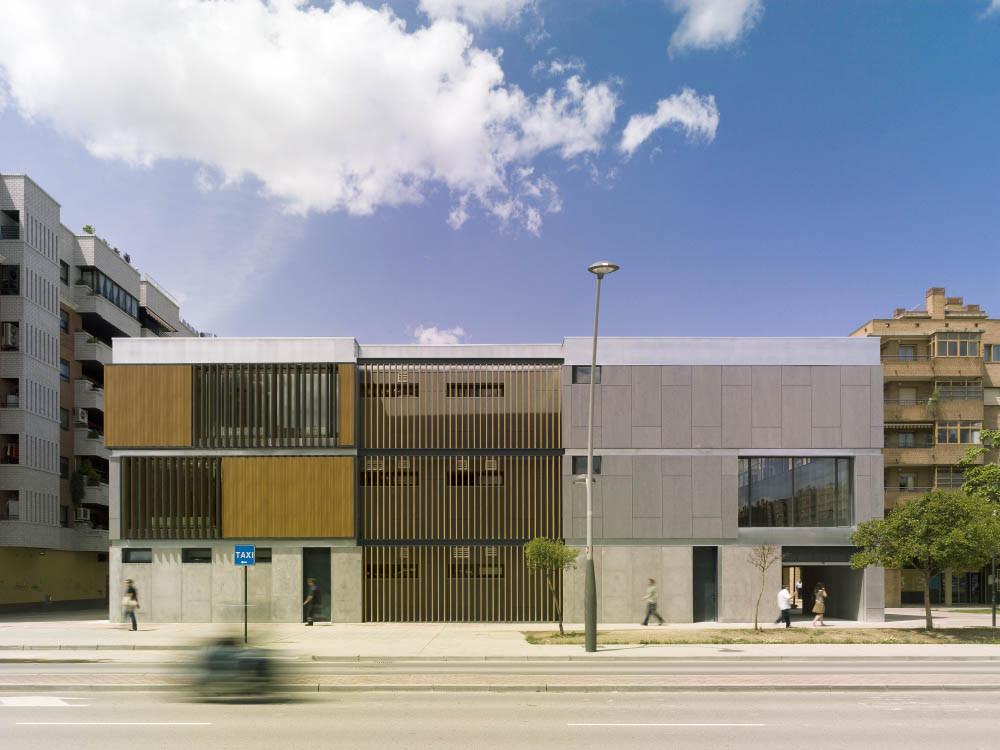Biblioteca y Centro de Convivencia en Zaragoza / Carroquino Finner Arquitectos, © Jesús Granada
