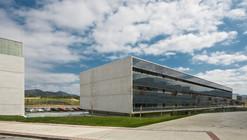 Edificio de oficinas de Tracasa / AH Arquitectos