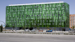 Edificio de viviendas / SOMOS Arquitectos