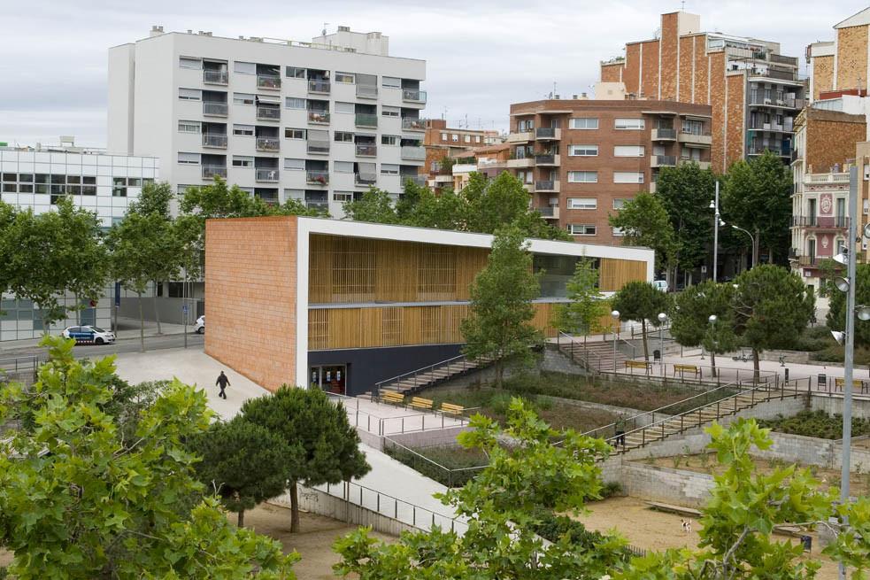 Casa para la tercera edad bcq arquitectes plataforma for Arquitectura geriatrica