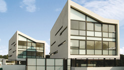 4 LCC Houses / Gaeta Springall Arquitectos