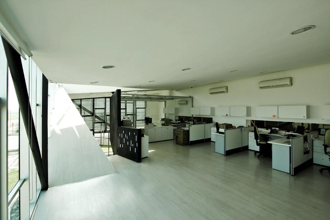 Galer a de bodega y oficinas huanacu tfps 12 for Oficinas y tabiques de cordoba