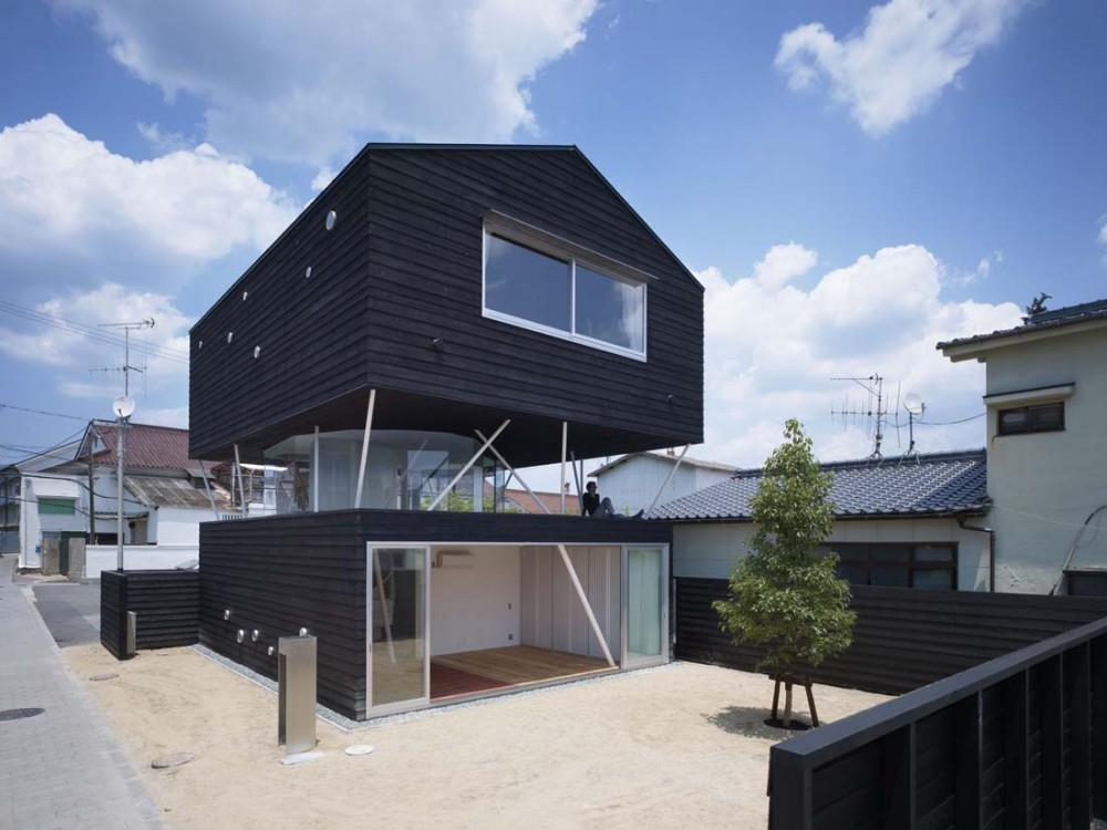 Casa de Cedro Negro / naf architect & design, © Noriyuki Yano / Nacasa & Partners