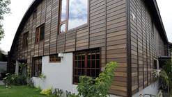 Casa Santa Zurda / Martin Hurtado