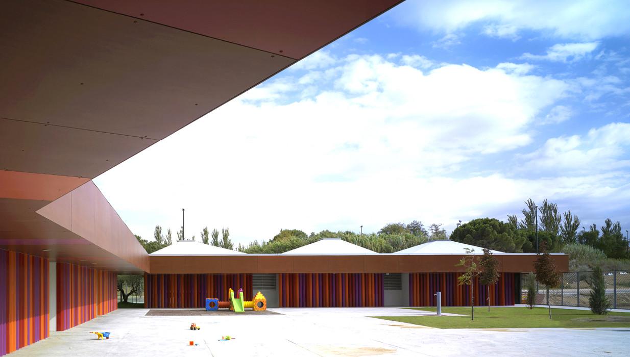 """Centro de Educación Infantil """"Rosales del Canal"""" / Magén Arquitectos, © Jesús Granada"""