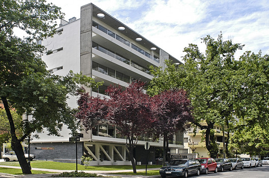 Edificio Gen Carmen Sylva / Chauriye Stäger Arquitectos